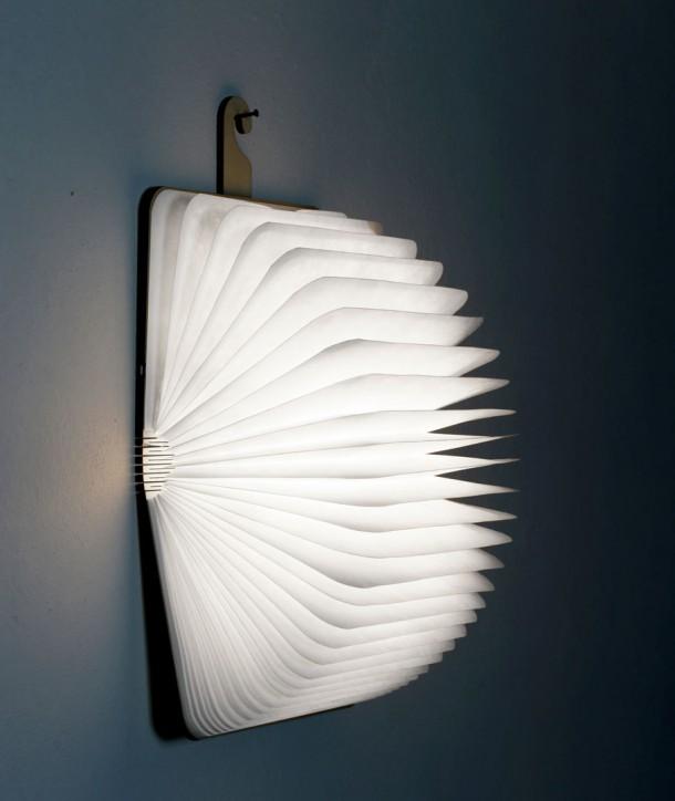 Lampe livre bois en noyer foncé - Oobook